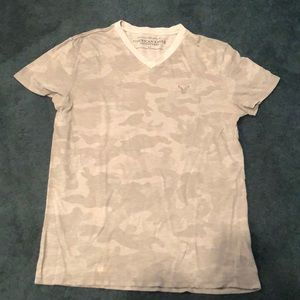 Light grey camo v neck t shirt, men's small